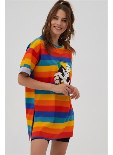 Pattaya Pattaya Kadın Çizgili Baskılı Kısa Kollu Oversize Tişört P21S110-2824-1 Renkli